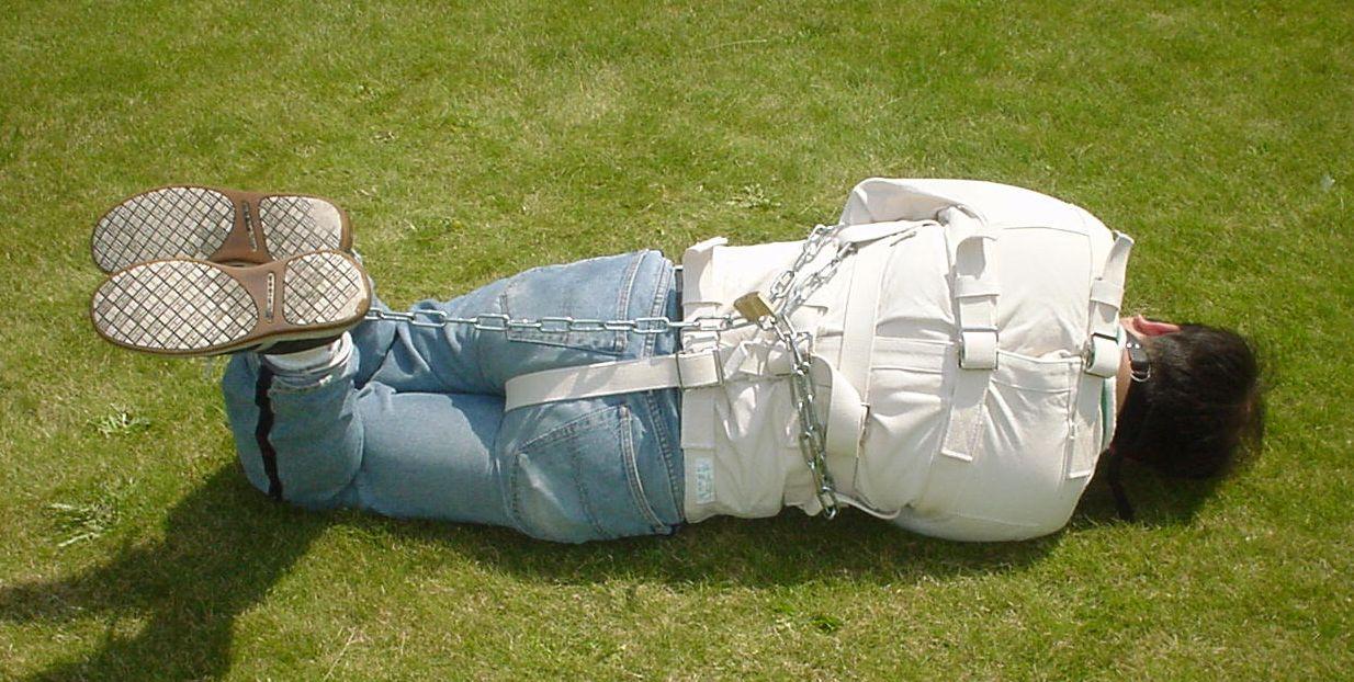 straitjacket-rear